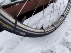 Cable tie snow tires